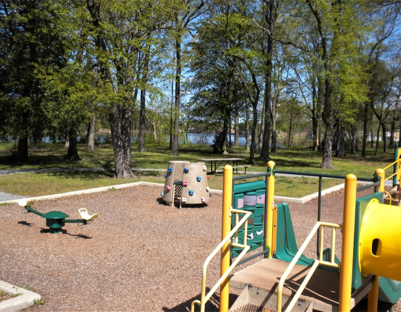 Chesterwood-Park-playground-waterview