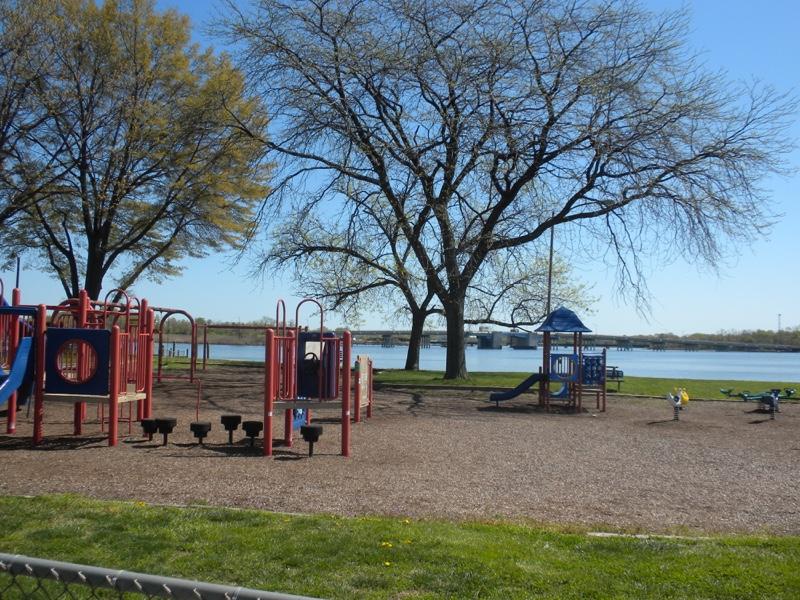 Waterfront-Watersedge-Playground-Spring