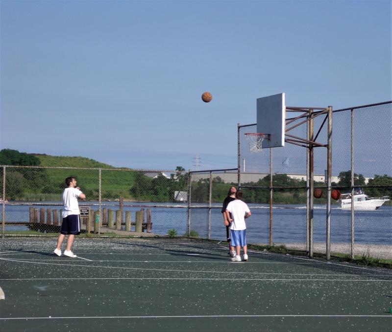 Watersedge-waterfront-basketball